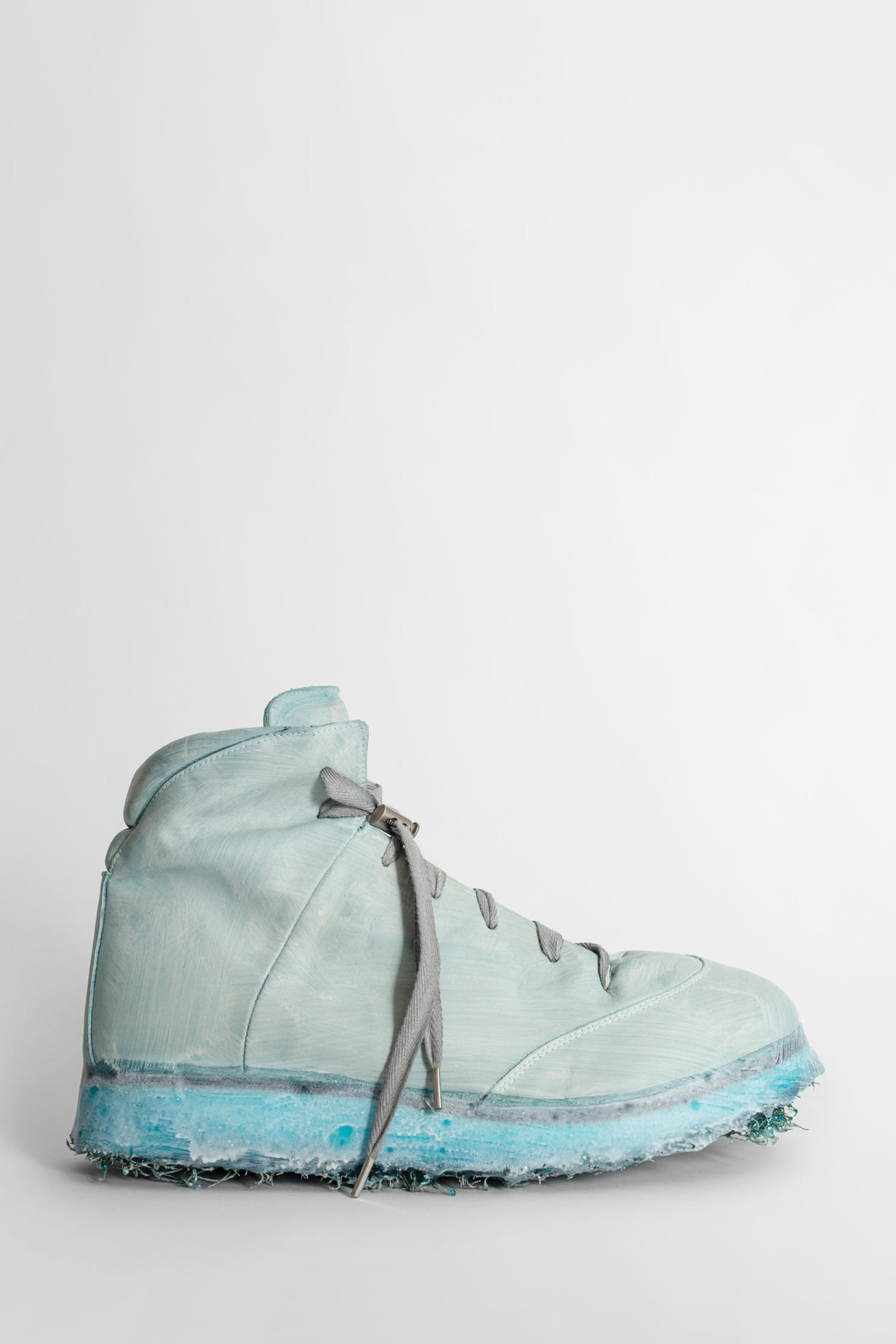 A Diciannoveventitre Sneakers In Ice