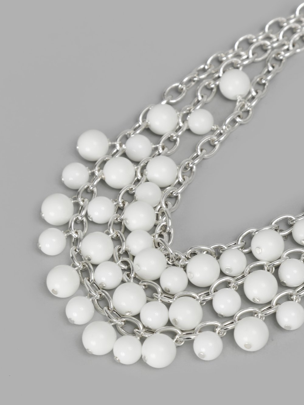 Simons Long pearly necklace l6ROm