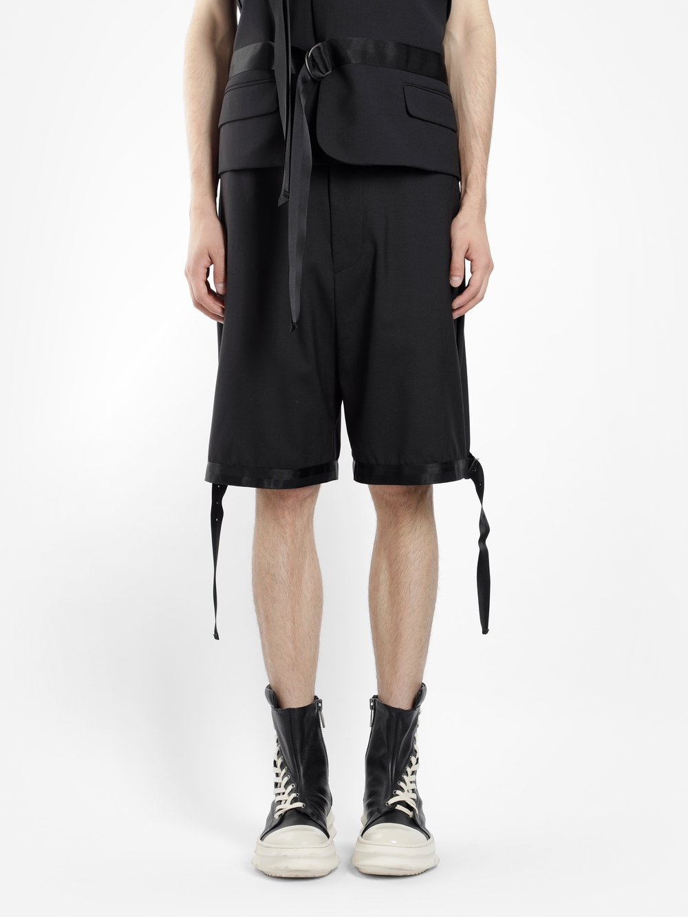 D.GNAK BY KANG.D MEN'S BLACK TAPED HEM SHORTS