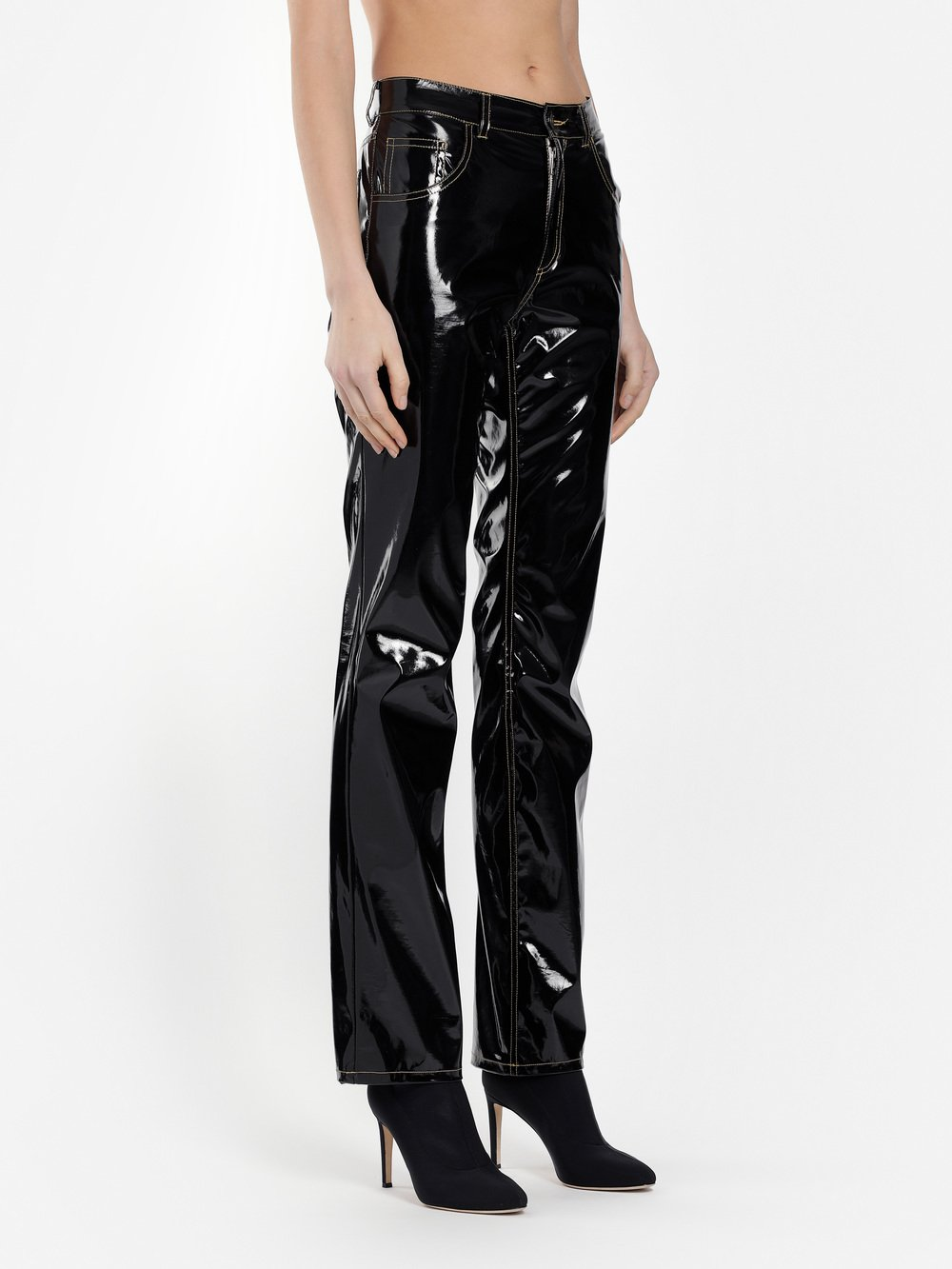 Aw18pa01blackpleather 3971