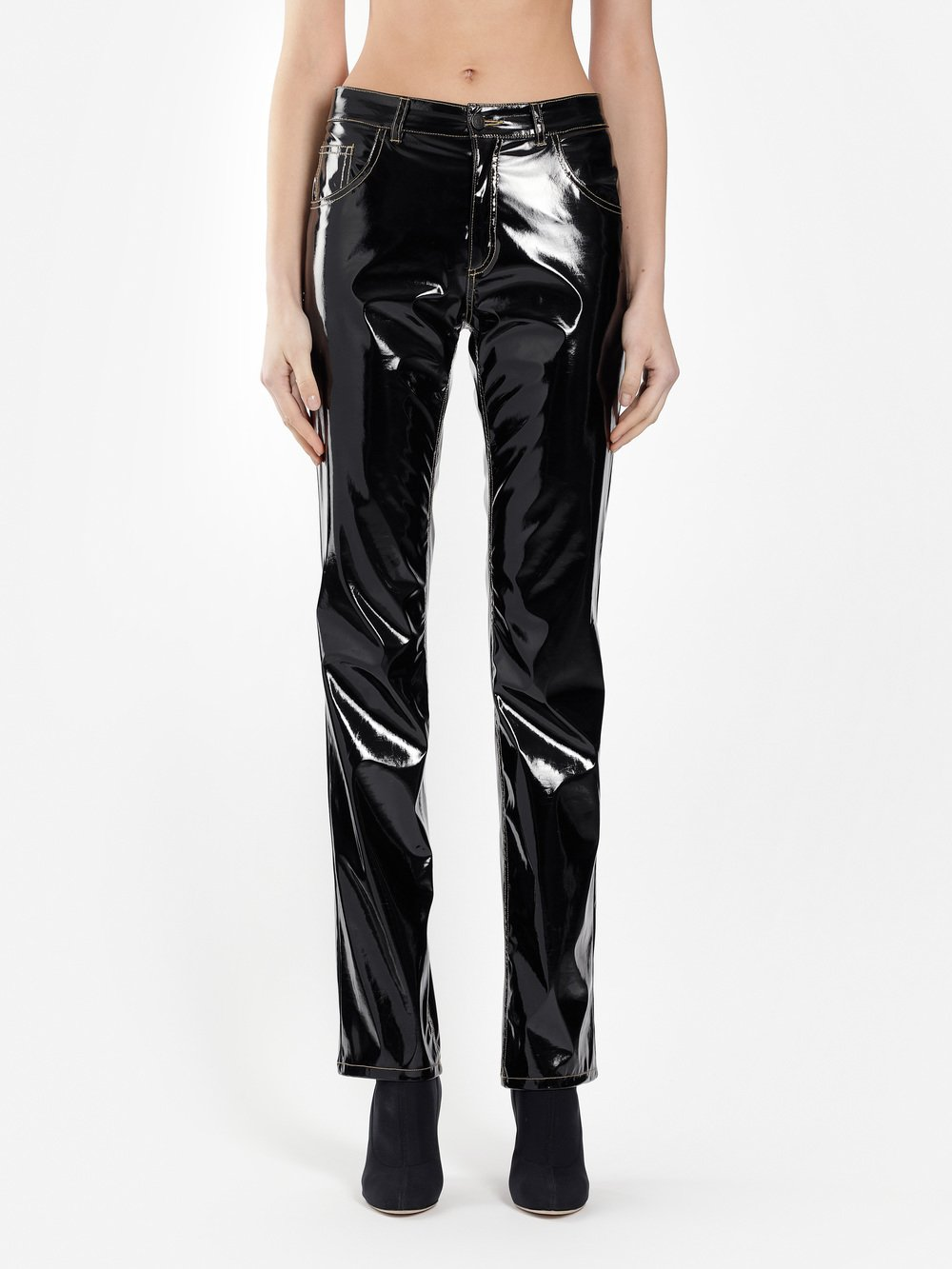 Aw18pa01blackpleather 3970