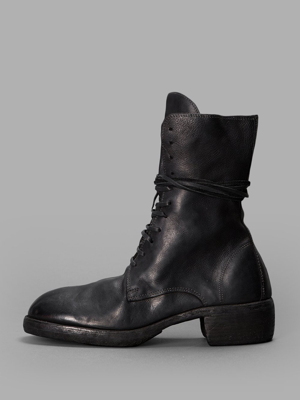 BLACK LEATHER BOOTS WITH LACES